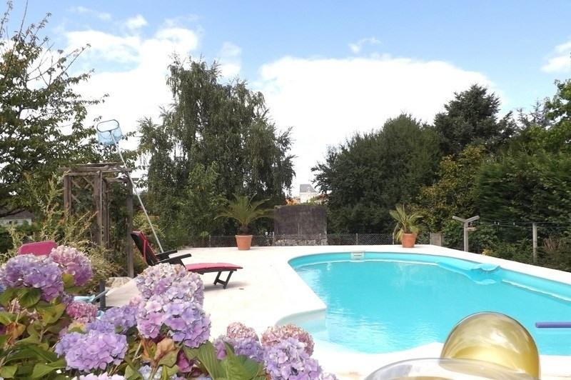 Sale house / villa La roche chalais 196000€ - Picture 2