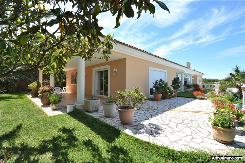 Deluxe sale house / villa St aygulf 1650000€ - Picture 1