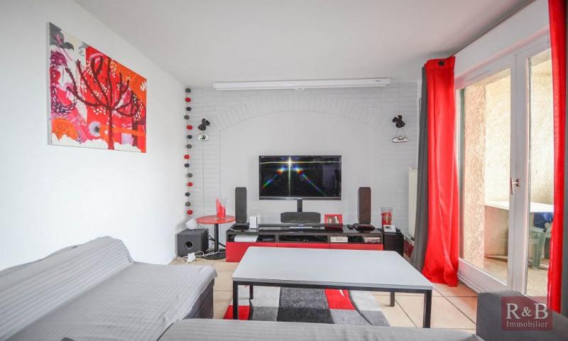 Sale apartment Plaisir 210000€ - Picture 3