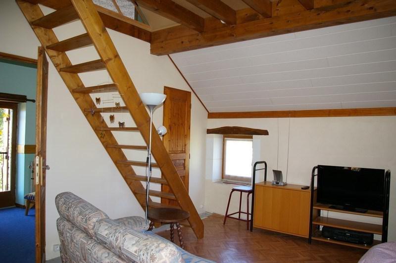 Sale house / villa Etais la sauvin 79000€ - Picture 5