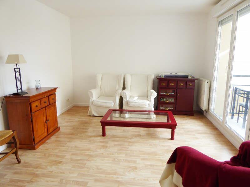 Rental apartment Elancourt 823€ CC - Picture 3