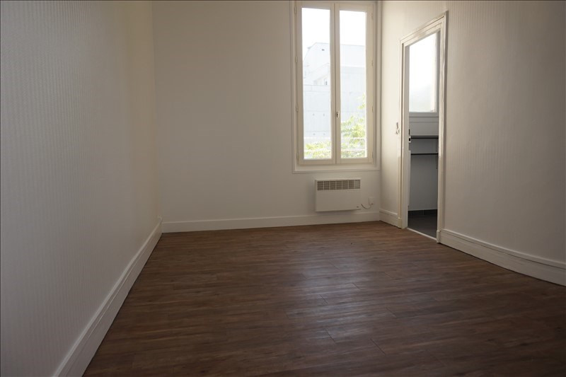 Location appartement Courbevoie 842€ CC - Photo 2
