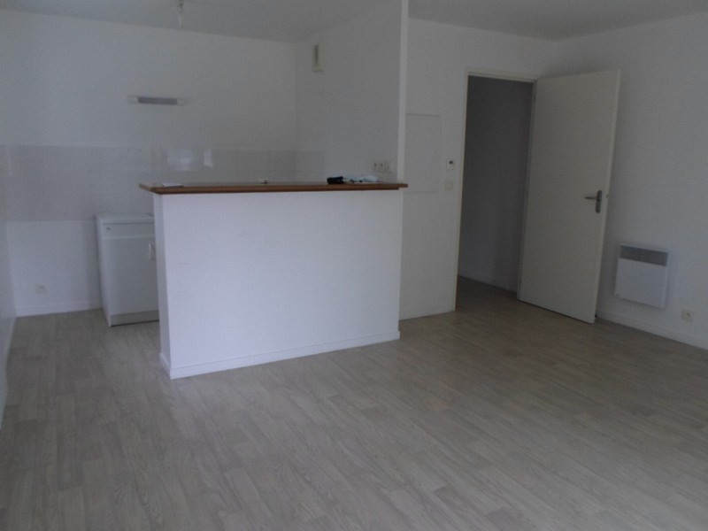 Location appartement Isigny sur mer 375€ CC - Photo 1