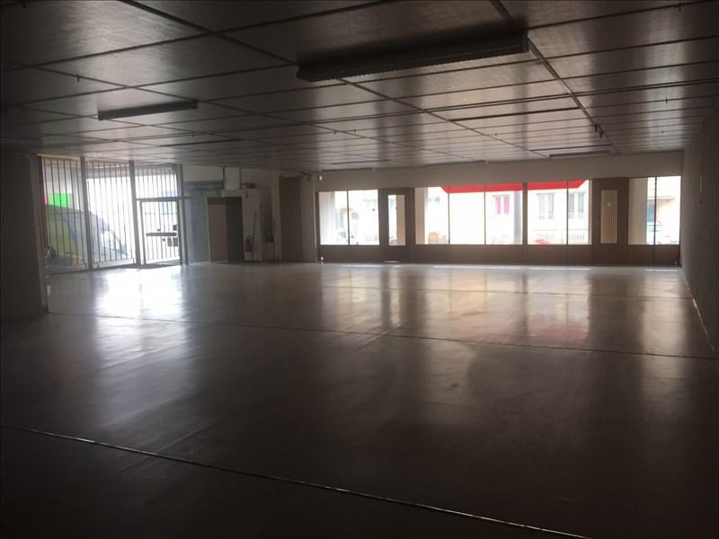 Location local commercial St quentin 2 500€ HT/HC - Photo 4