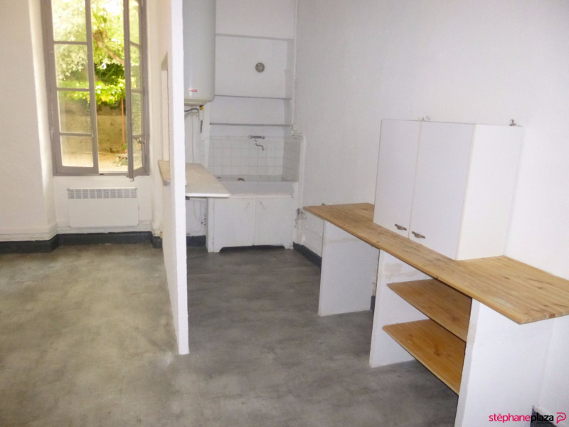 Rental apartment Entraigues sur la sorgue 410€ CC - Picture 3