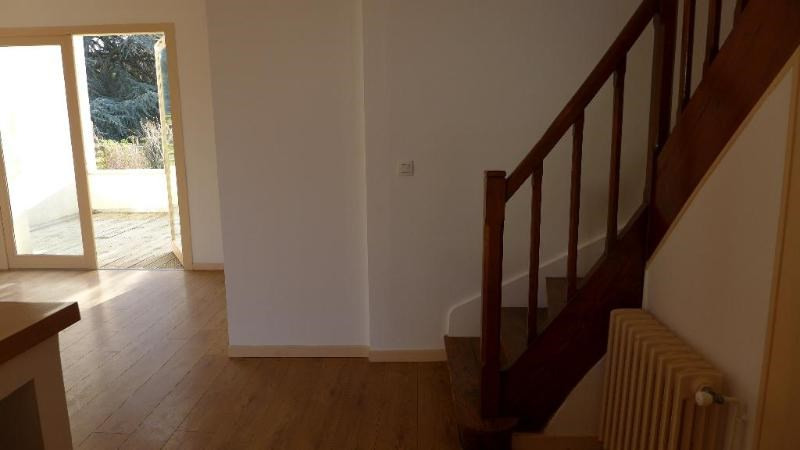 Location maison / villa St foy les lyon 1 850€ CC - Photo 6