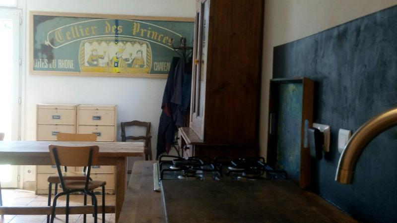 Sale house / villa Bedarrides 164000€ - Picture 2