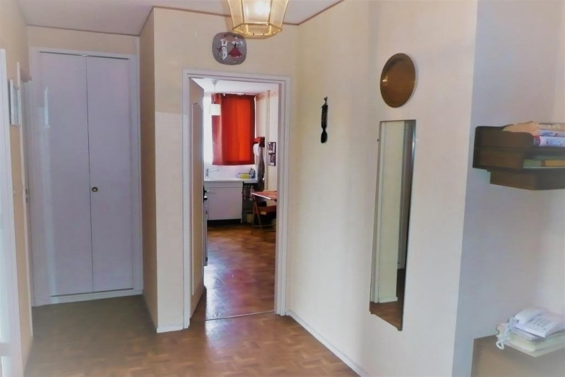 Sale apartment Rambouillet 241 000€ - Picture 2