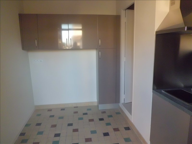 Location appartement Grisolles 350€ CC - Photo 3