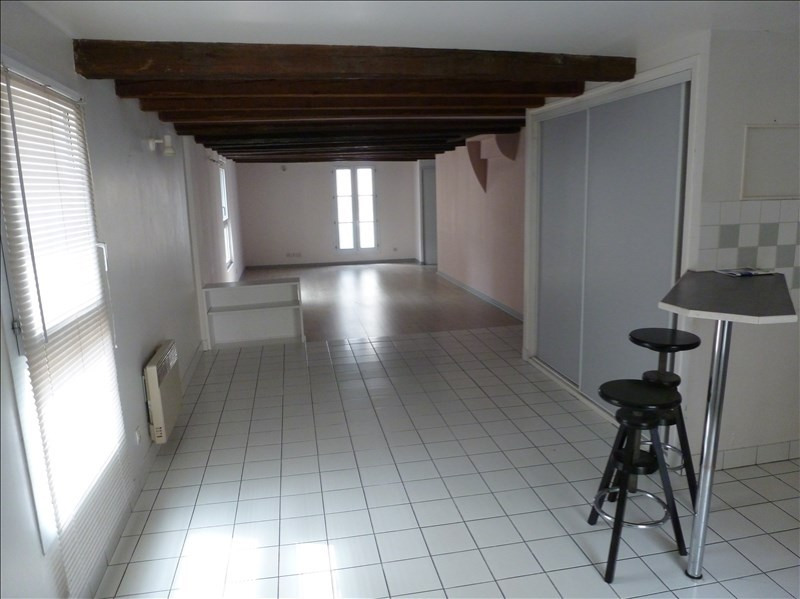 Location appartement Chatellerault 408€ CC - Photo 1