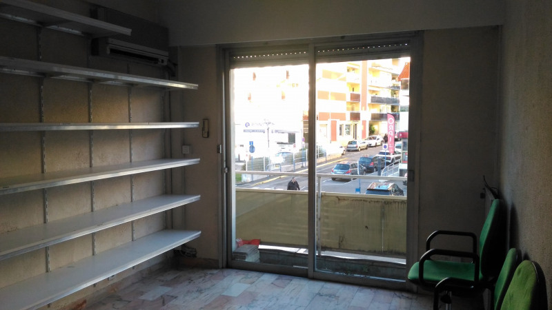 Location bureau Cagnes sur mer 1 140€ CC - Photo 4