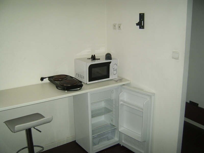 Rental apartment Nimes 370€ CC - Picture 3
