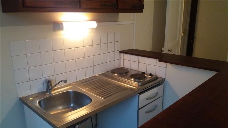 Locação apartamento Paris 10ème 838€ CC - Fotografia 3