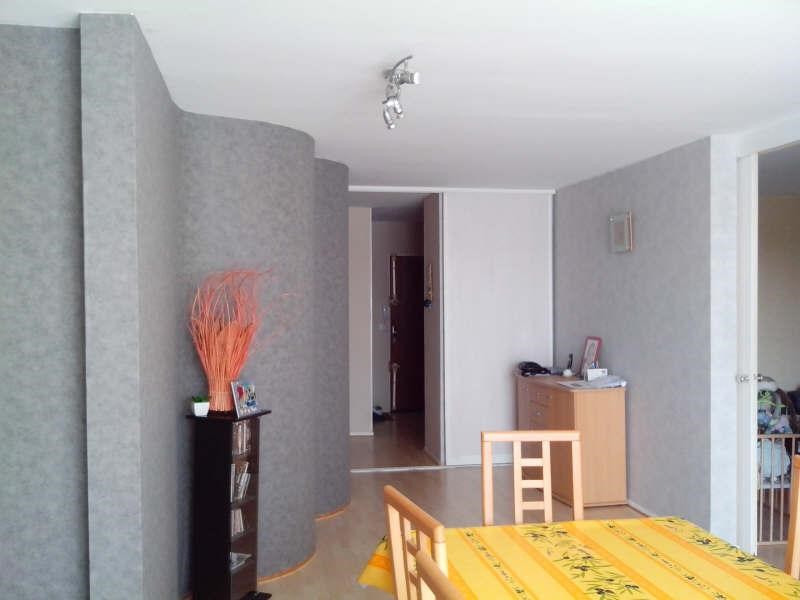 Rental apartment Elancourt 1200€ CC - Picture 2
