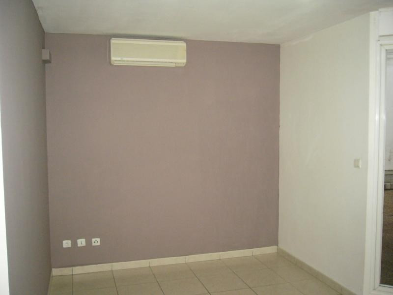 Rental apartment St denis 672€ CC - Picture 2