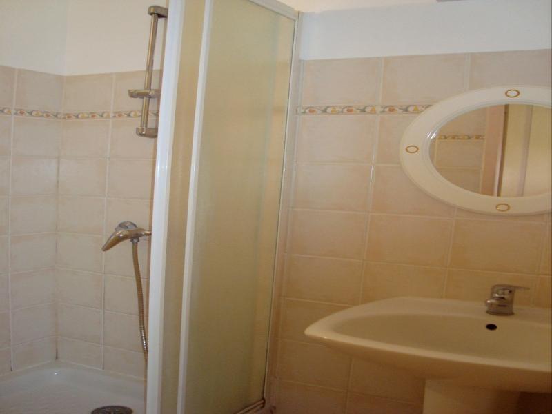 Location appartement Cadolive 478€ CC - Photo 3
