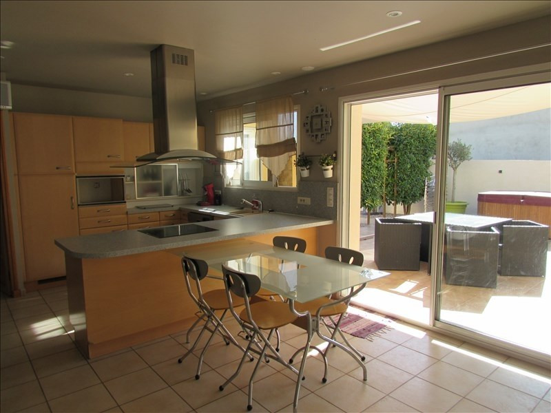 Sale house / villa Thezan les beziers 375000€ - Picture 4