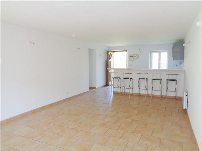 Rental apartment Crau 738€ CC - Picture 1