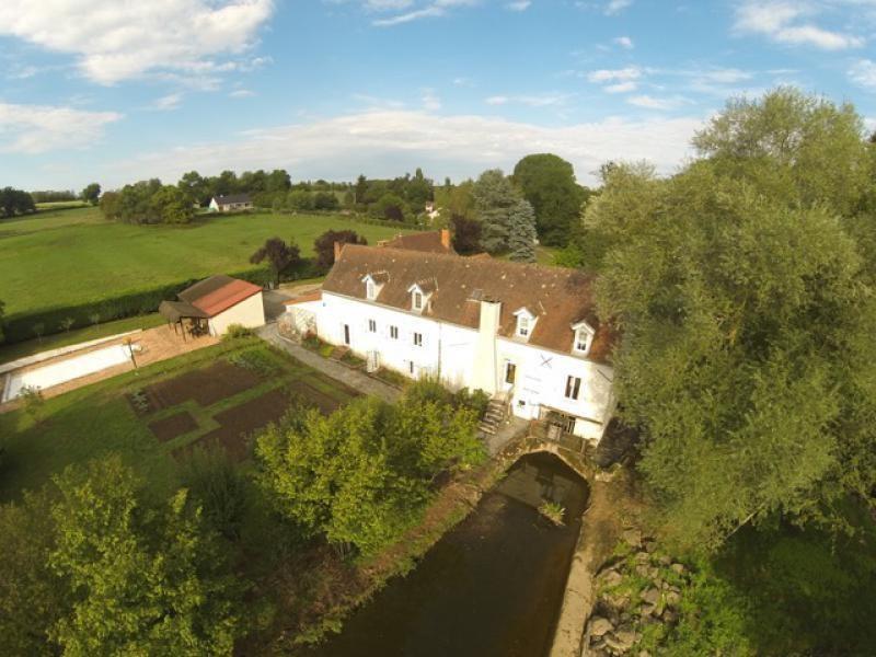 Vente de prestige maison / villa Chantelle 800000€ - Photo 1