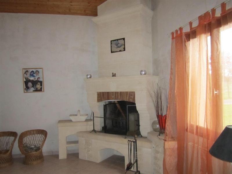 Sale house / villa Barbezieux st hilaire 262000€ - Picture 5