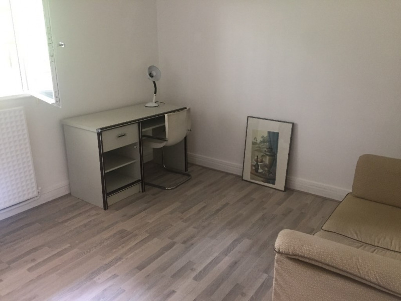 Rental apartment Ville d avray 450€ CC - Picture 1