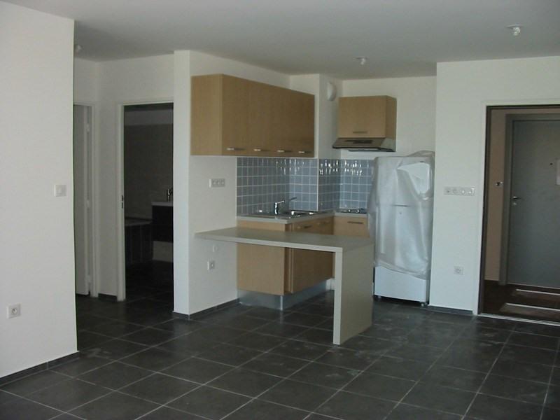 Location appartement St denis 611€ CC - Photo 6