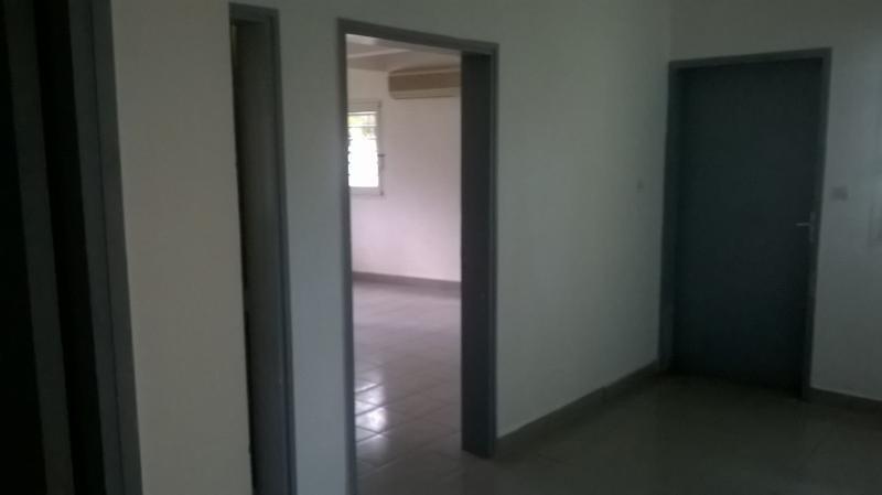 Rental empty room/storage St pierre 3000€ HT/HC - Picture 3