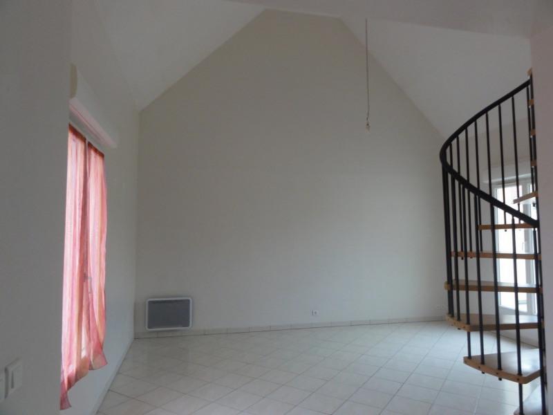 Rental apartment Melun 841€ CC - Picture 2