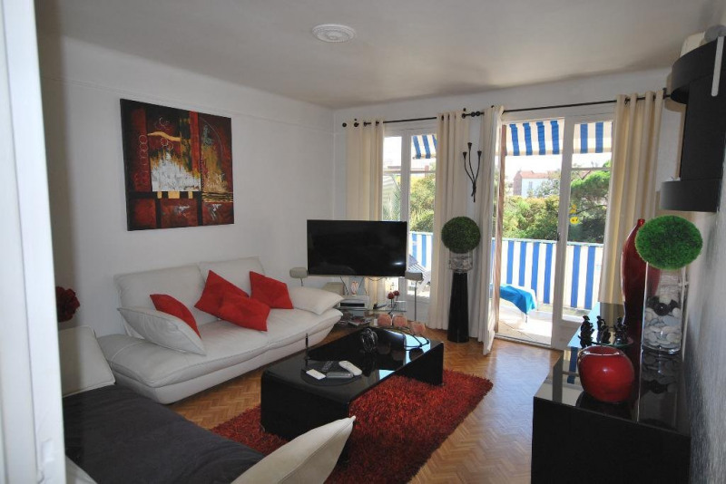 Sale apartment Juan-les-pins 212000€ - Picture 2