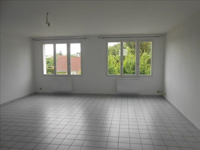 Rental apartment St quentin 727€ CC - Picture 2