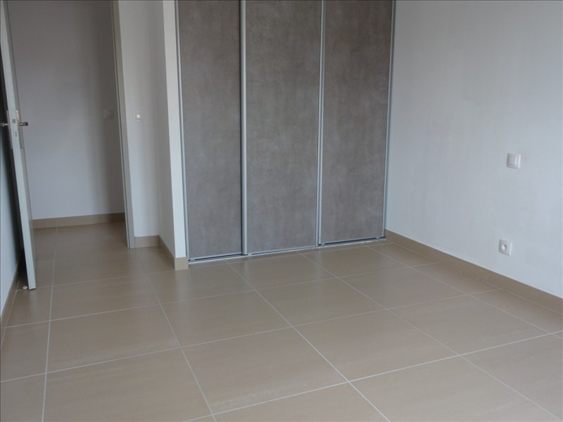 Location maison / villa Canet en roussillon 1 385€ CC - Photo 5