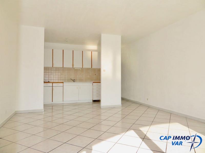 Sale apartment Le beausset 105000€ - Picture 4