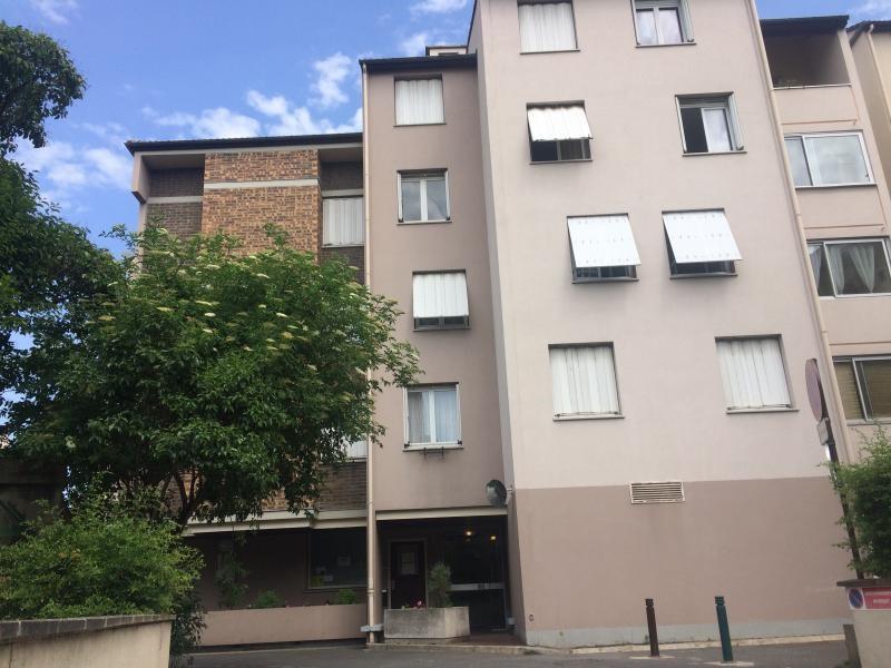 Sale apartment Gennevilliers 259900€ - Picture 1