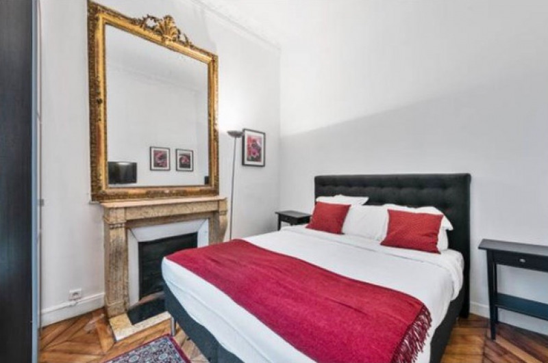 Location appartement Paris 8ème 4 300€ CC - Photo 8