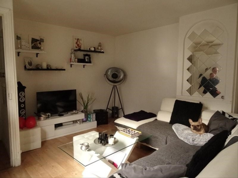 Sale apartment Versailles 250000€ - Picture 2