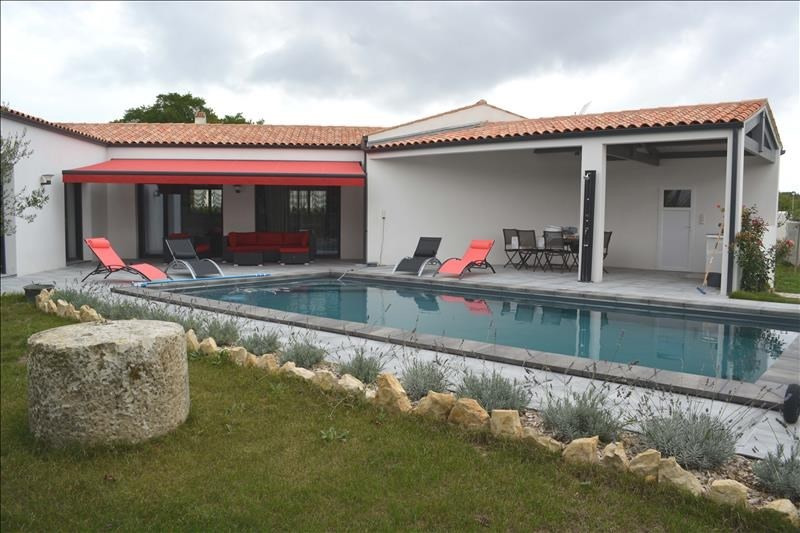 Deluxe sale house / villa Ferrieres 555 000€ - Picture 1