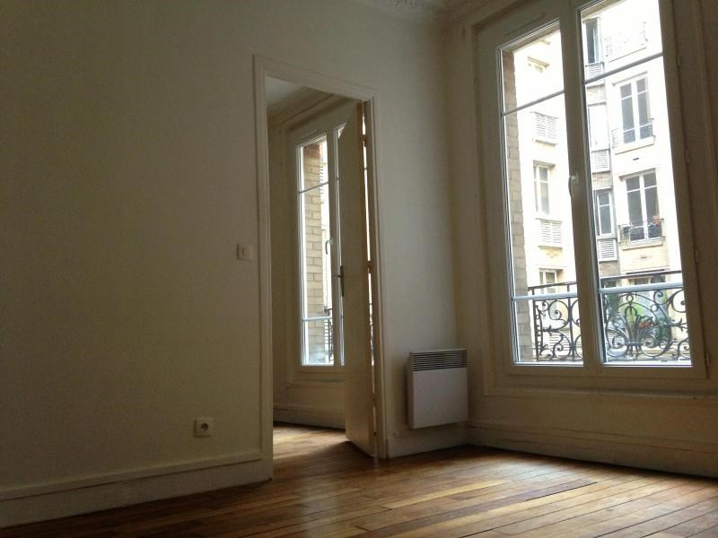 Location appartement Paris 19ème 910€ CC - Photo 4