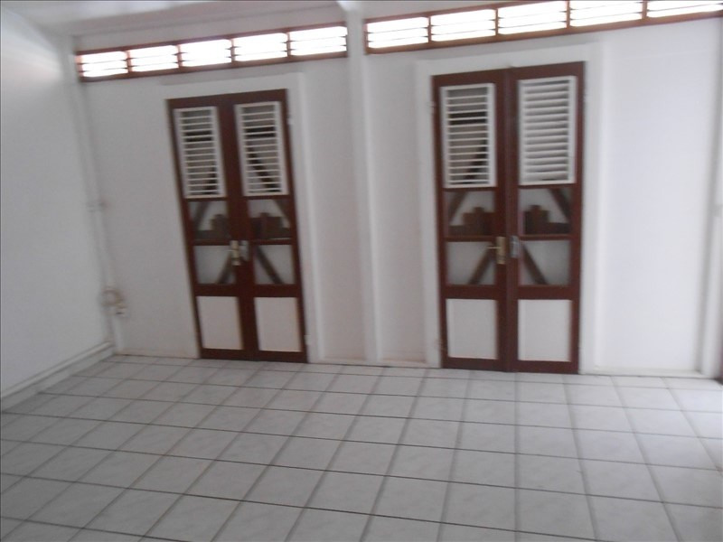 Sale house / villa Basse terre 135 000€ - Picture 7