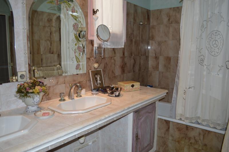Sale house / villa Roquebrune sur argens 379500€ - Picture 6