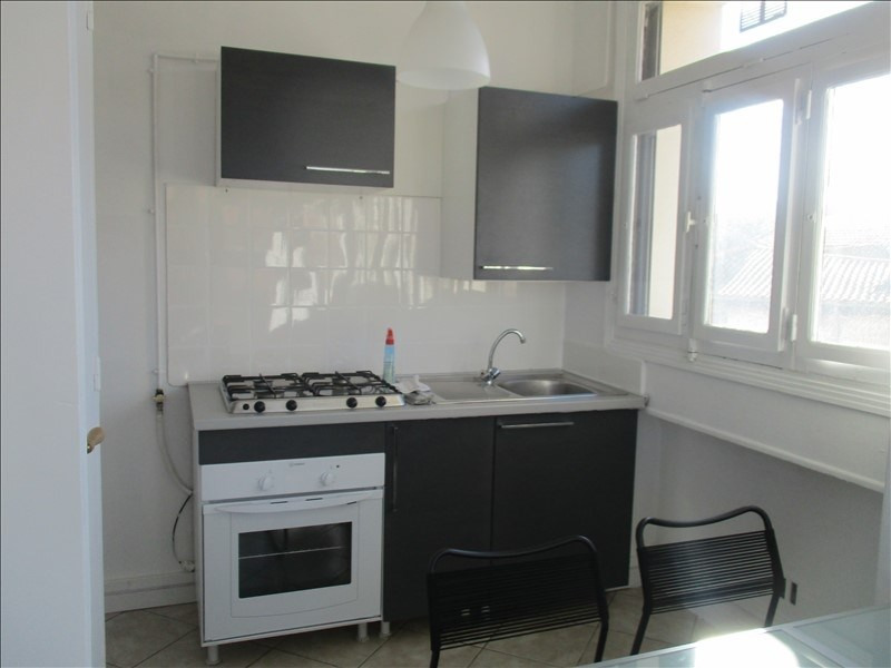 Location appartement Nimes 610€ CC - Photo 4