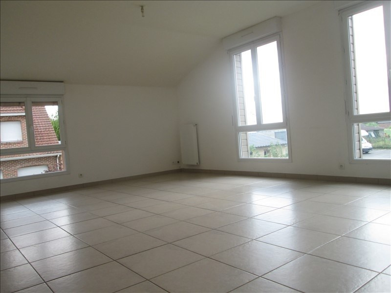 Rental apartment Lestrem 710€ CC - Picture 2