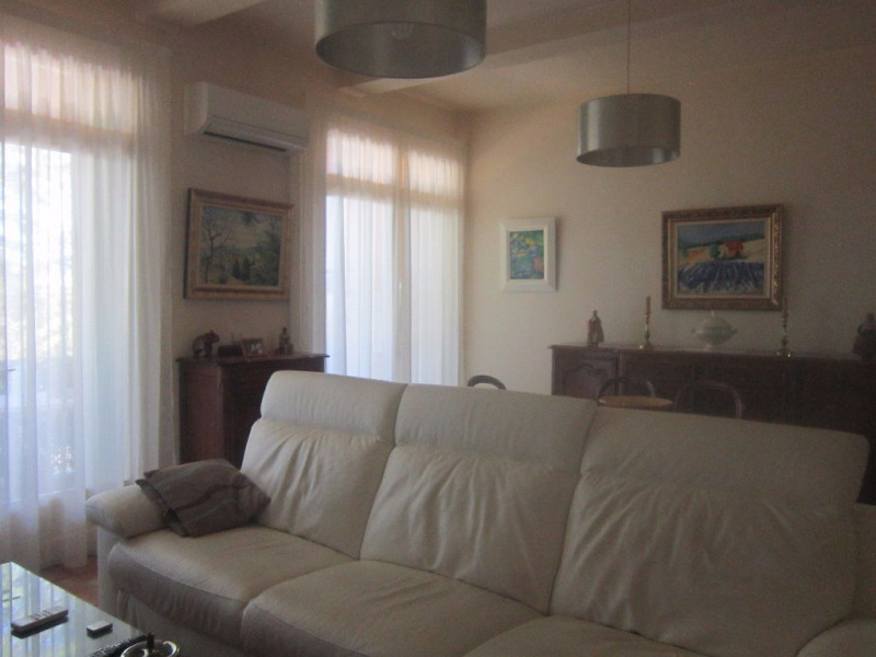 Location appartement Lambesc 840€ CC - Photo 4