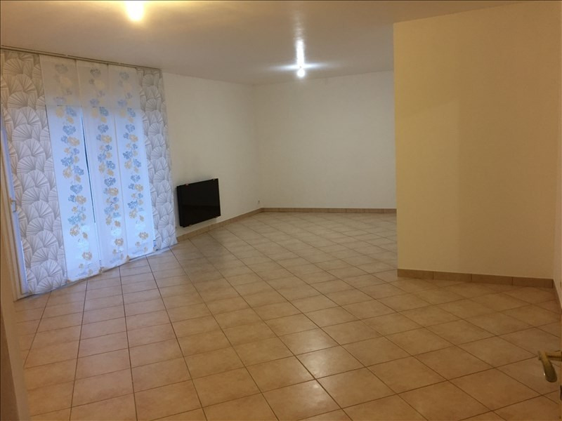 Location maison / villa Fontaine le comte 750€ CC -  5
