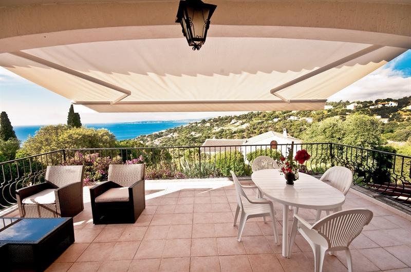Vacation rental house / villa Les issambres 1485€ - Picture 2