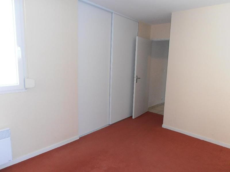 Rental apartment Oyonnax 474€ CC - Picture 2