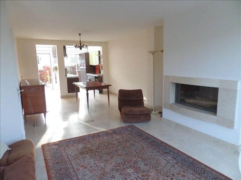 Sale house / villa La celle st cloud 410000€ - Picture 2