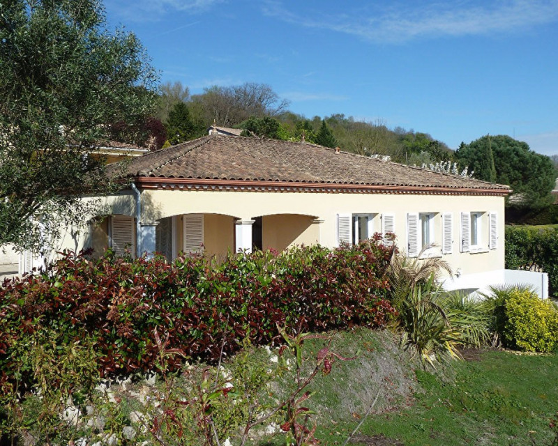 Sale house / villa Bon encontre 244 000€ - Picture 1