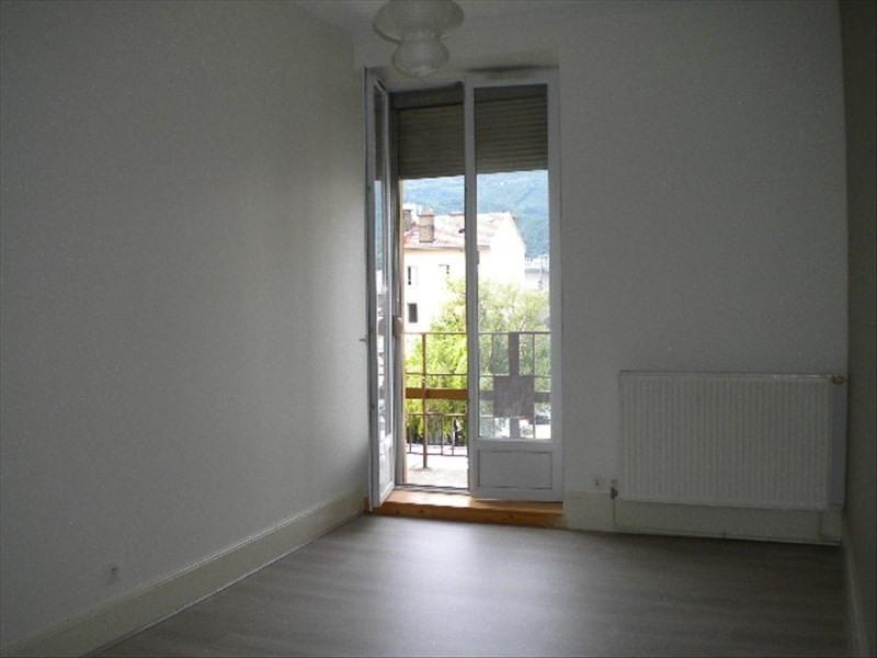 Location appartement Grenoble 596€ CC - Photo 2