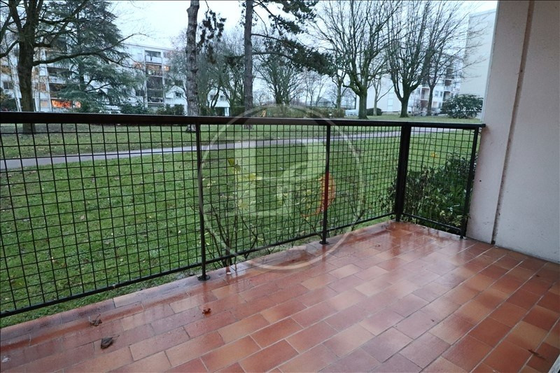 Rental apartment Marly le roi 985€ CC - Picture 3