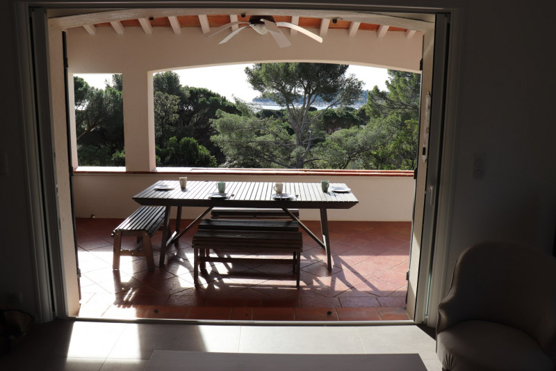 Vacation rental house / villa Cavalaire sur mer 1 000€ - Picture 4